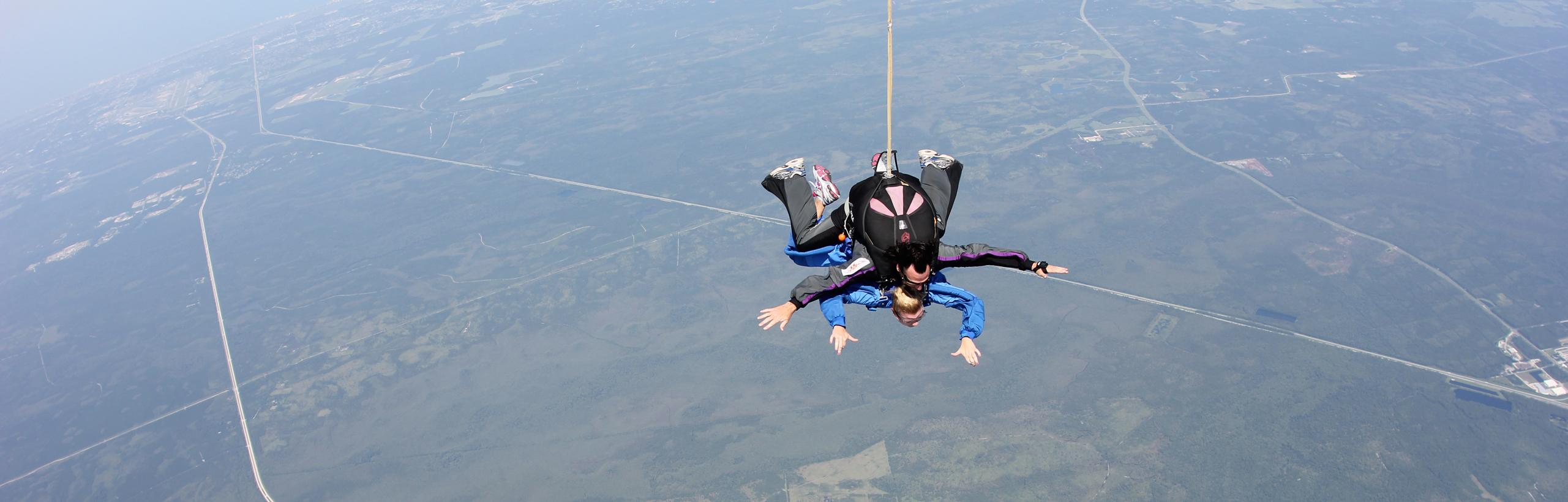 skydiving_stretch_retina