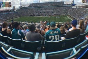 jags game-crowd